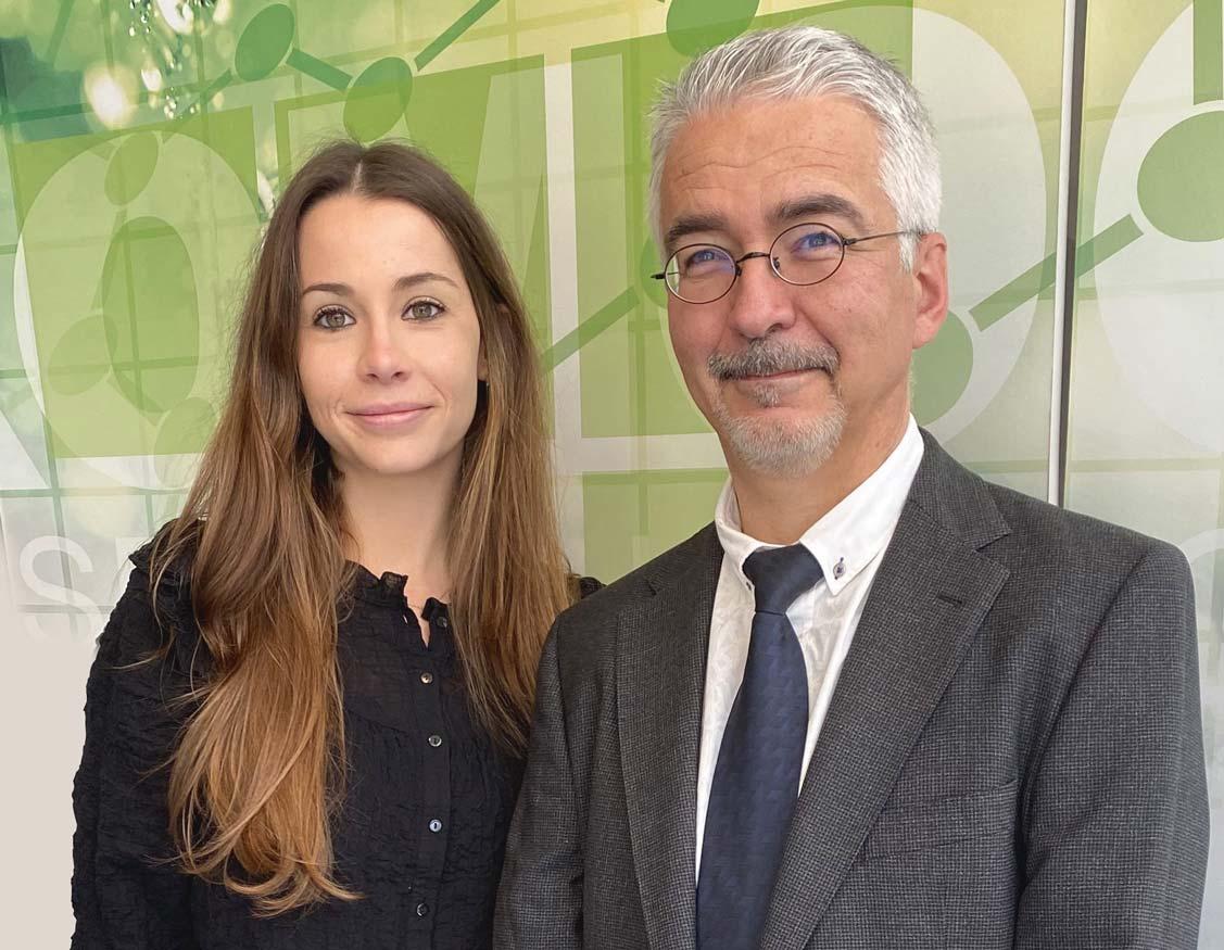 La investigadora Maite Guillem i el director tèxtil de Cromogenia Units, Rafael Montava